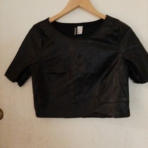 Black faux leather top Divided polyester